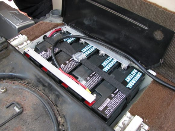 Another take on the UB12220 auxiliary batteries | Vanagon ...