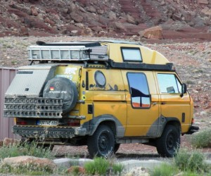 World traveler's Vanagon Syncro with side window hack