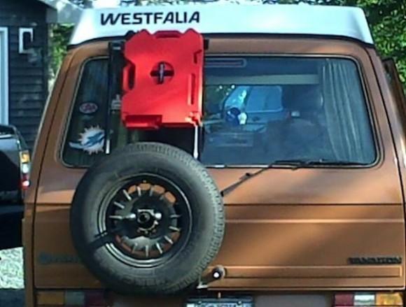 back-mounted-gallon