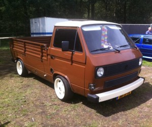Chocolate Doka with custom wheels