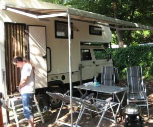 Syncro truck with rear camper