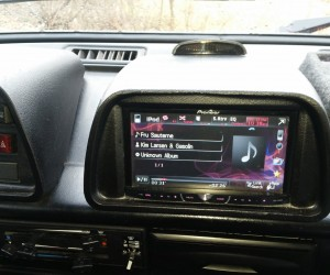 Double-DIN stereo mounted on Vanagon dash