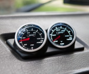 Oil pressure and temperature gauge pod for the Vanagon