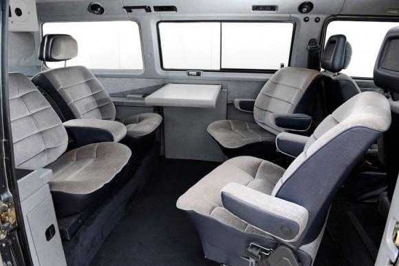 porsche-b32-interior