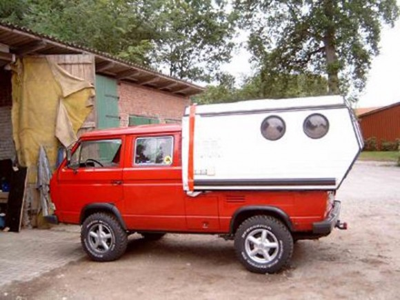 port-hole-camper2