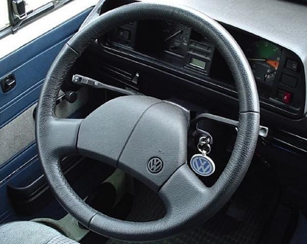 Truck Interior Accessories >> Changing the Vanagon steering wheel | Vanagon Hacks & Mods ...