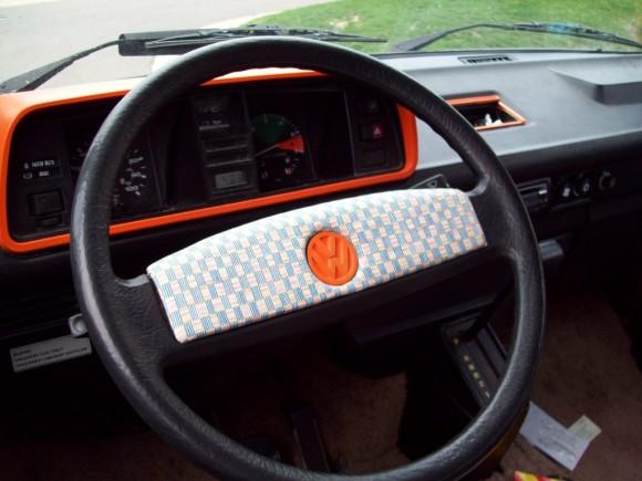steering-wheel-color