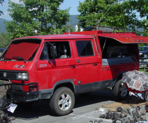 A unique double cab Vanagon Syncro work truck