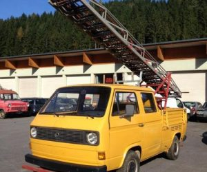 Double cab with turntable ladder