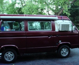 Window unit air conditioner in a Vanagon
