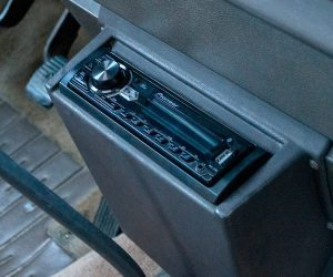 Vertical Vanagon Stereo Mount
