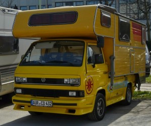 Awesome single cab Transporter with slide on camper